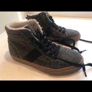 Boys sneakers size 1